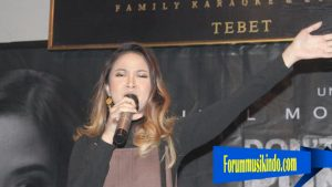 Produser film Don''t Run Away Juga Memerankan Penyanyi Gabriella Larasati