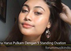 Novia Harus Pulkam Dengan 5 Standing Ovation